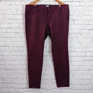 NEW YORK AND COMPANY SOHO SKINNY PANTS